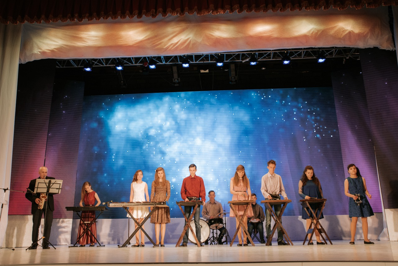 В Центре культуры и досуга «Сероглазка» 23 ноября 2018 года состоялся  гала-концерт VIII ежегодного краевого фестиваля творчества людей с ограниченными возможностями здоровья «Стремиться жить и побеждать».