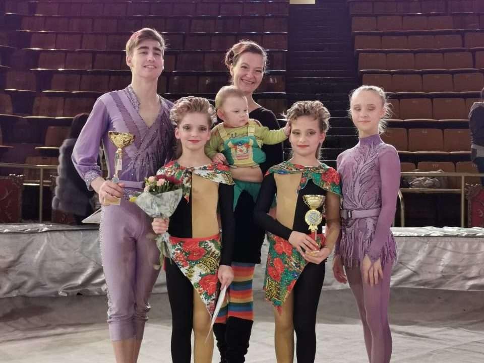 Солисты Заслуженного Народного детского цирка «Саквояж» радуют новыми победами!